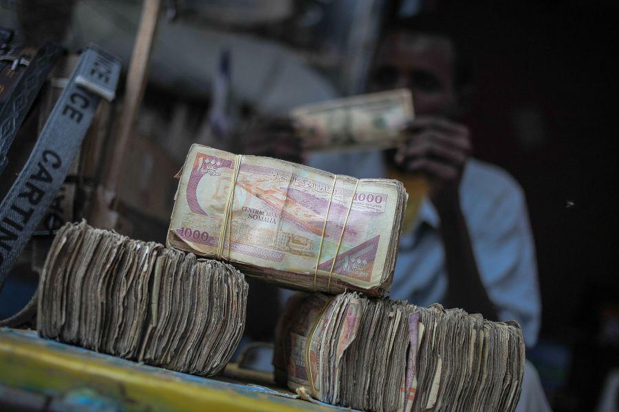 World Bank says Somali mobile money use 'far higher than