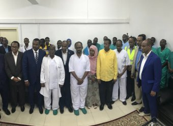Somali officials receive a delegation from Qatar offering assistance.